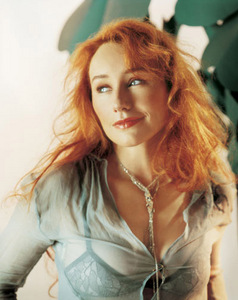 Tori Amos: Midwinter Graces tori-amos